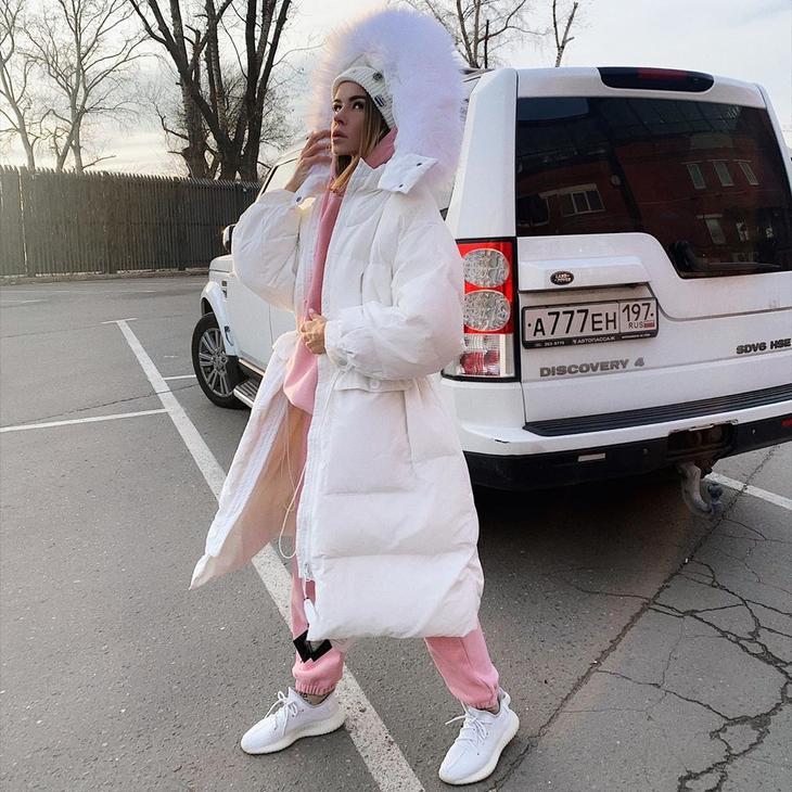с чем носить зимние куртки с капюшоном фото 9