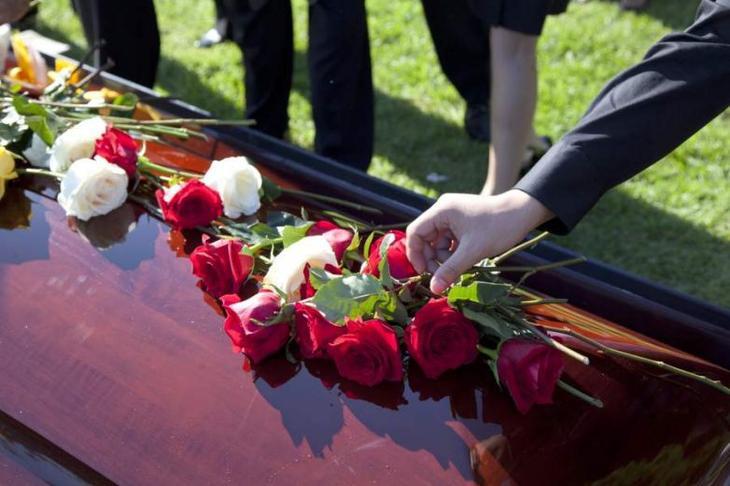 Плакать об умершем бесполезно