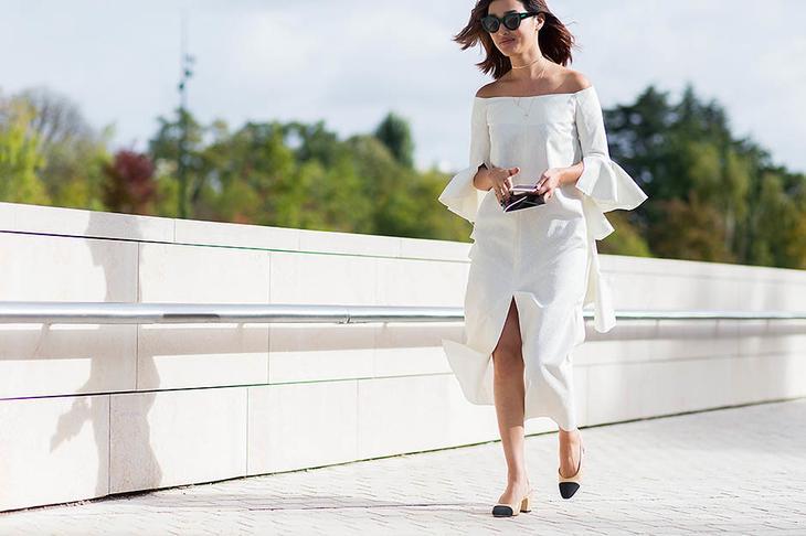 1. Платье со спущенными плечами