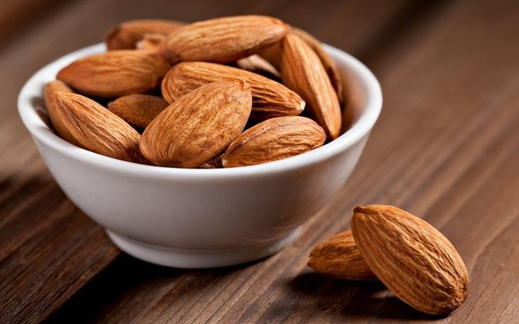 Орехи - польза и вред для организма. Миндаль