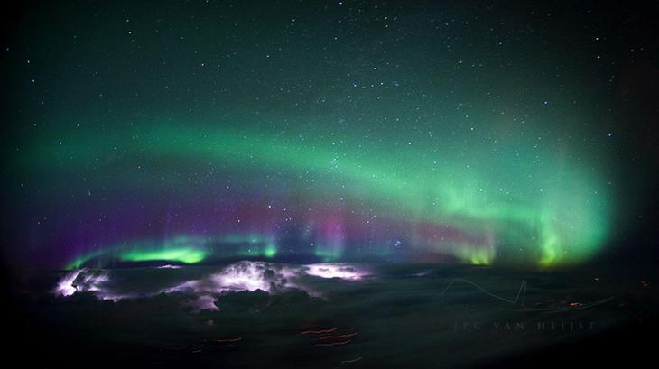 Пилот-фотограф делает потрясающие снимки из кабины самолёта