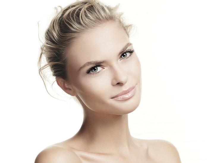 5 простых масок, которые вернут здоровый вид уставшей коже лица за одну ночь