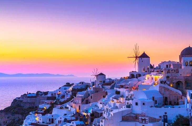 Прогулка по очаровательному греческому курорту Санторини