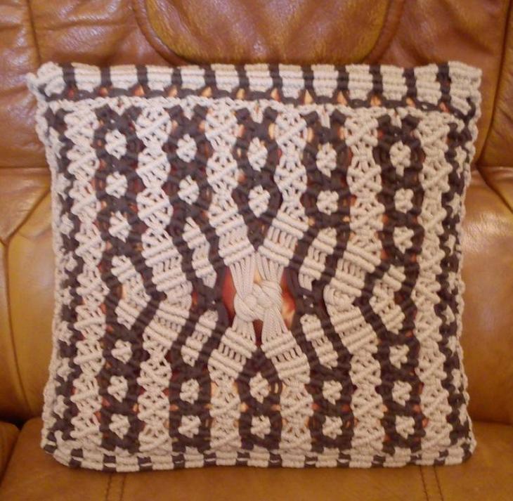 Подушка для макраме