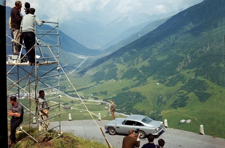 1964 год, Goldfinger: Aston Martin DB5