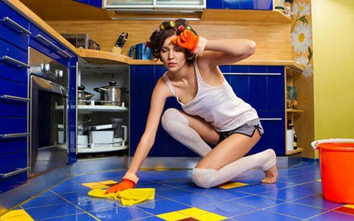 Как убрать неприятный запах в квартире механическим способом