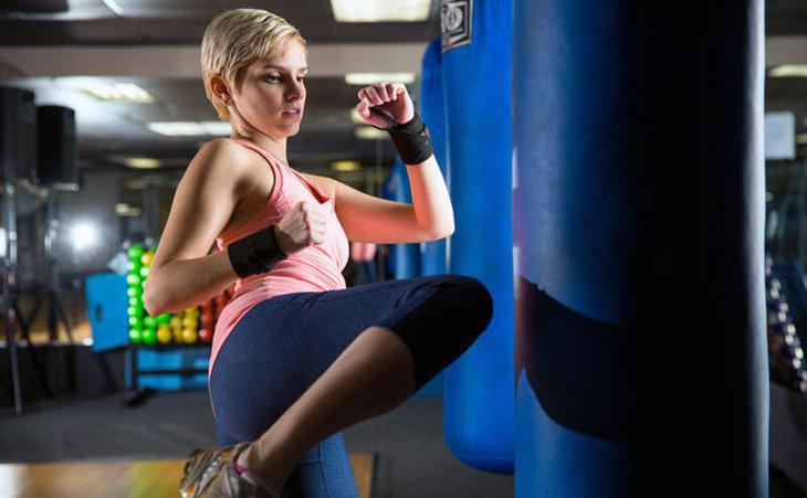 Много внимания растяжке уделяется и в тайском боксе