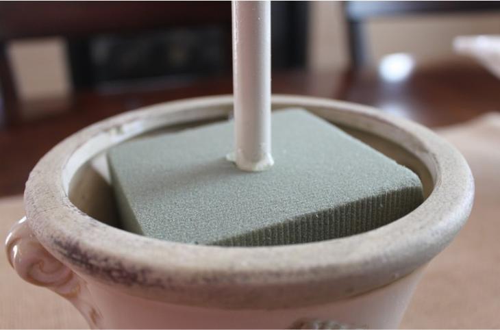 Крепление топиария в основании из флористической пены