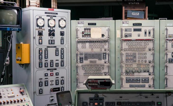 Сегодняшний день Сегодня бункер выглядит точно так же, каким был оставлен в 1982 году. Это открытый любому желающему мемориал, где можно своими глазами увидеть ракету Titan 2 — музей превратился в яркую, самую доступную демонстрацию человеческих достижений в сложной науке самоуничтожения.