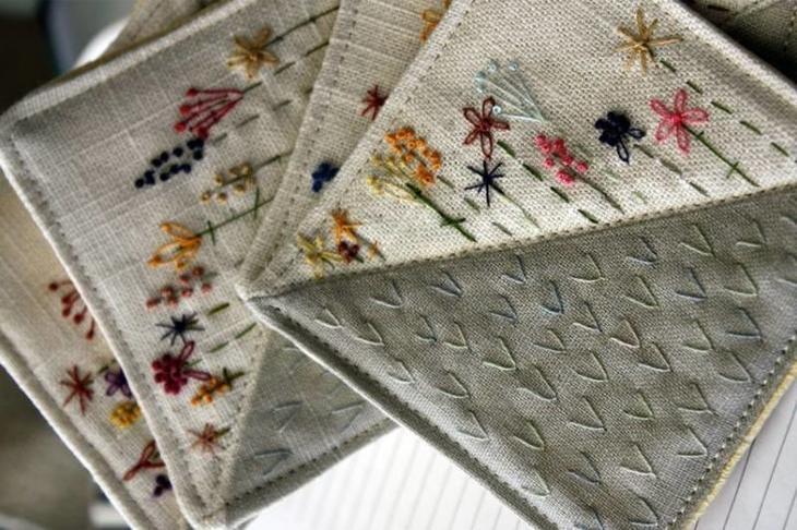Прихватки из льна с вышивкой
