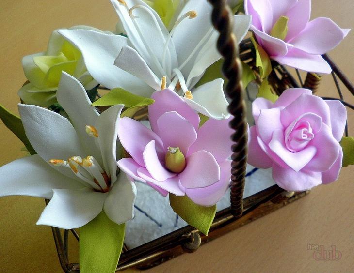 Корзинка цветов из фоамирана