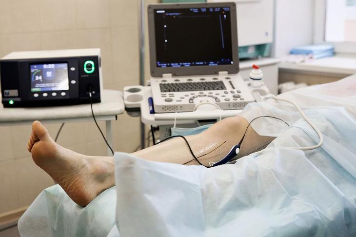 чем лечить тромбофлебит на ногах у женщин