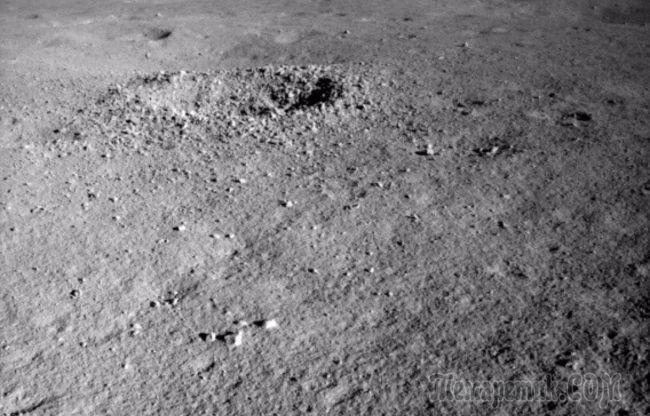 Снимок: Китайский ровер обнаружил на обратной стороне Луны кое-что необычное