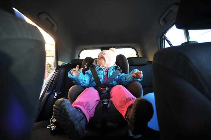 ВС РФ разрешил перевозить детей без автокресел – что нужно знать?