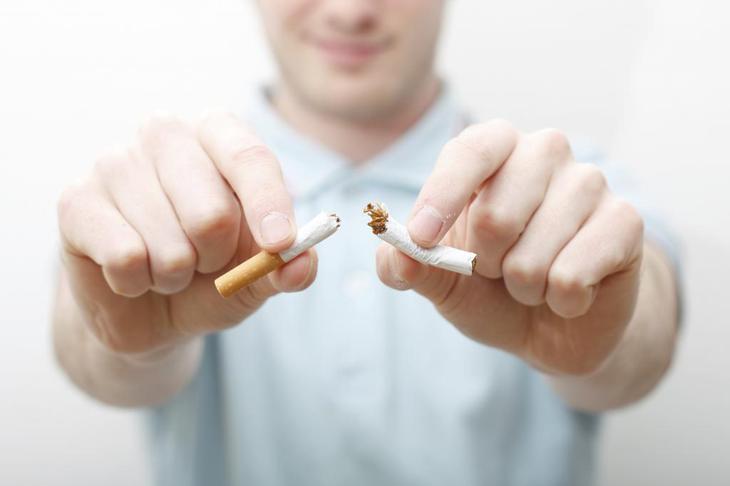 Объявление для соседей которые курят в подъезде