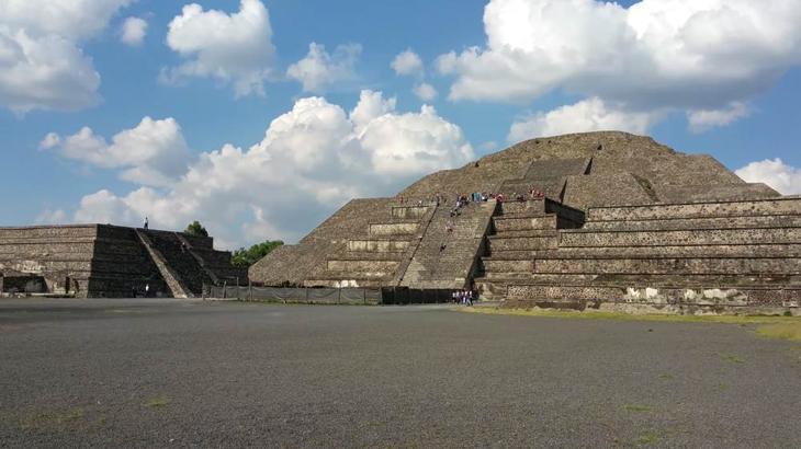 Пирамиды Теотиуакана в Мексике