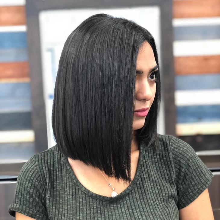 Темные стрижки на средние волосы фото 5