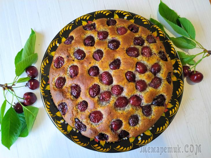 Пышный пирог с вишнями (черешней) на сметане!