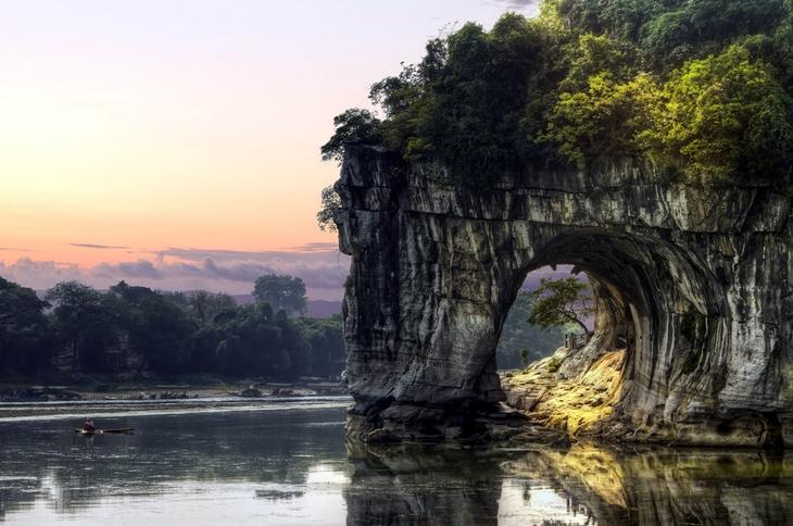 Гора Сянбишань Китай. Создано самой природой. Невероятные природные арки. Фото с сайта NewPix.ru