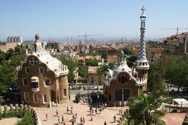 Парк Гуэль в Барселоне (Испания). Фото