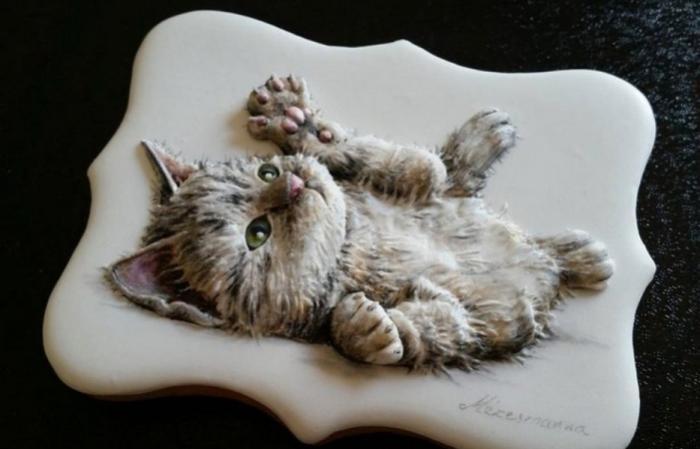Кондитер-виртуоз рисует мини-картины на пряниках и печенье, съесть которые рука не поднимется