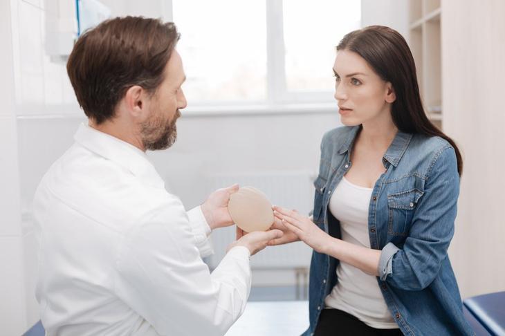 Миф: «Операция по увеличению груди лишает ее чувствительности»