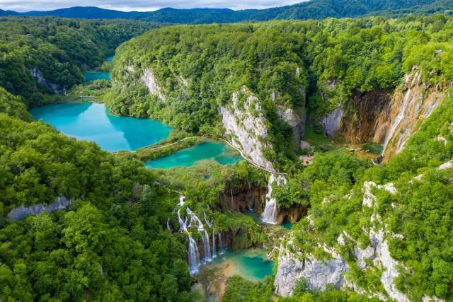 Хорватский биолог и фотограф запечатлел великолепные Плитвицкие озёра