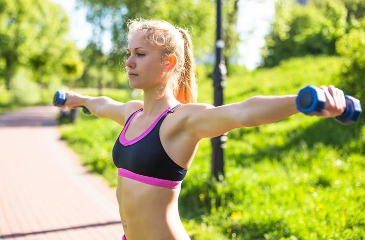 Фитнес-тренировки для полных рук