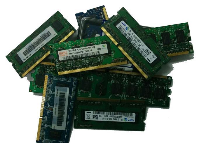 Рис. 4. Модули DRAM.