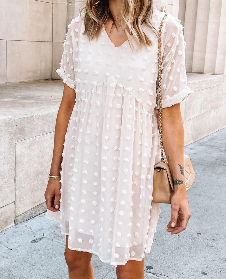 Как стильно носить платье с коротким рукавом летом: 20 потрясающих примеров