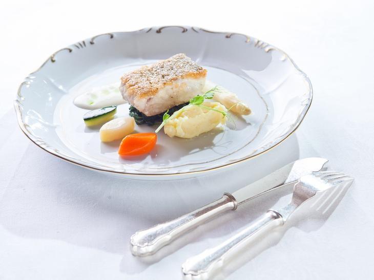 2. Морская рыба. 8 продуктов, которые успокаивают нервы и борются с депрессией