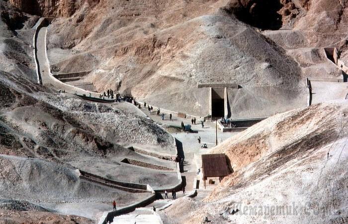 10 самых причудливых гробниц, открытие которых стало настоящей сенсацией