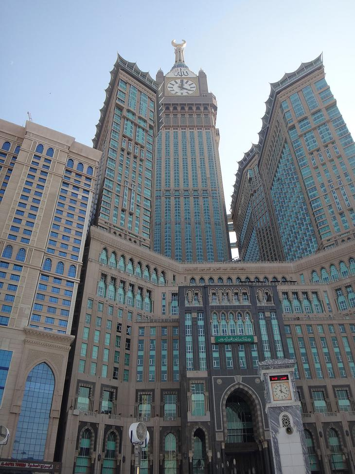 Часовая башня комплекса Абраж аль-Бейт