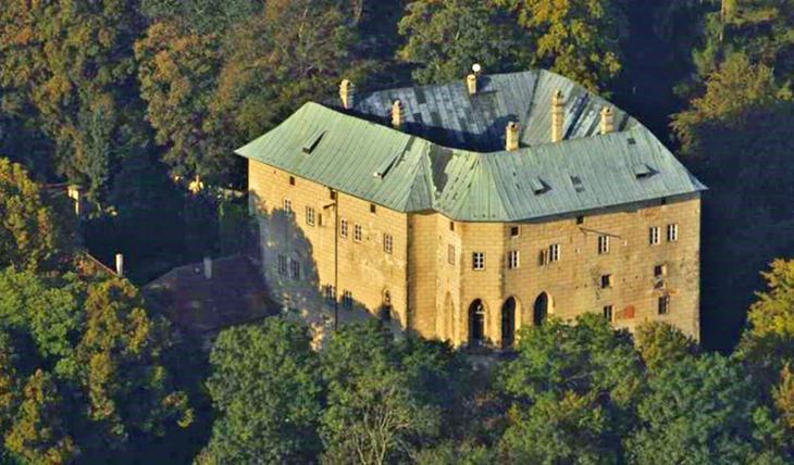Замок Гоуска в Чехии Фаты, дыры, земля, интересное, природа, провалы, страшно, удивительное