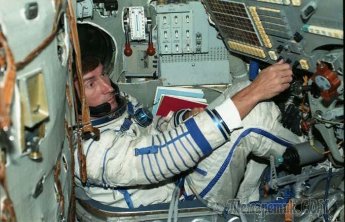 Курьёз советской космонавтики: Почему последний космонавт СССР улетел из одной страны, а вернулся в другую