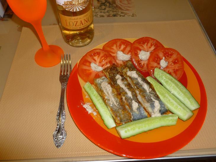 Жареная рыба с ореховым соусом Баже