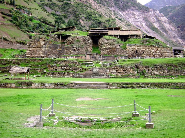 Руины Чавин де Уантар Перу. Уцелевшие останки цивилизаций. Самые загадочные сооружения планеты, сохранившиеся до наших дней. Фото с сайта NewPix.ru