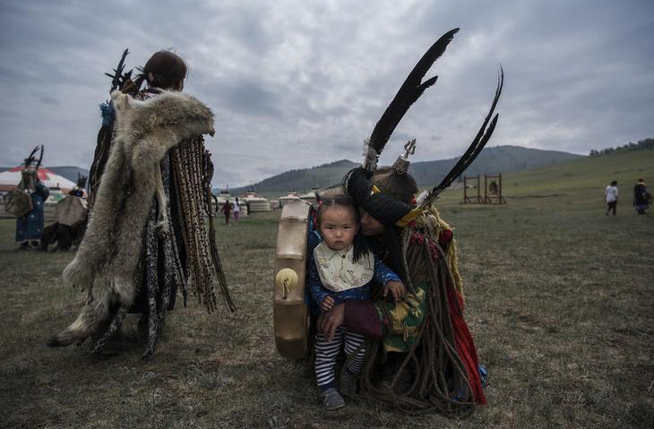 Shamanskie-ritualy-v-Mongolii 12