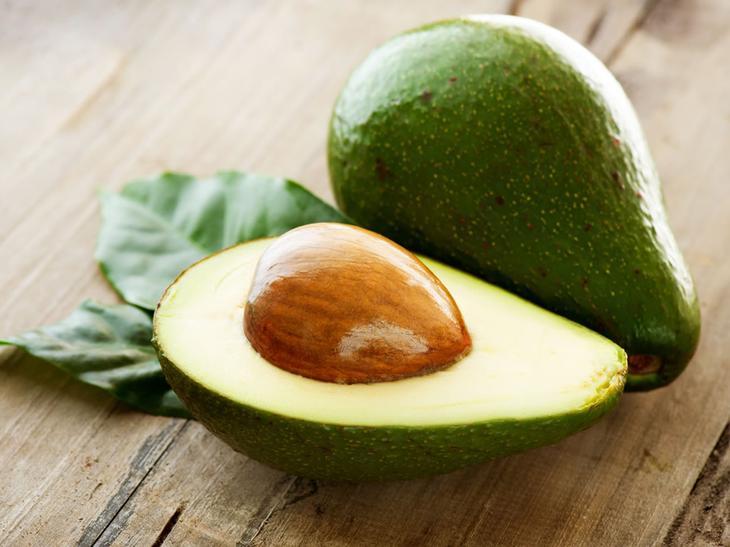 5. Авокадо. 8 продуктов, которые успокаивают нервы и борются с депрессией