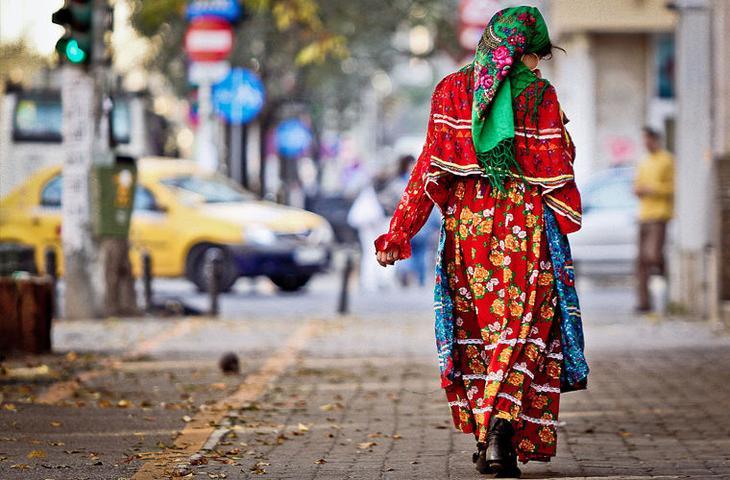Несмотря на мало развитую письменную культуру, цыгане имеют богатый фольклор. Философские сказки, песни и афоризмы составляют заметную часть их культуры мифы, цыгане
