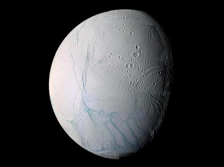 7. Энцелад, и его гейзеры. космос, планеты, солнечная система, факты, чудеса