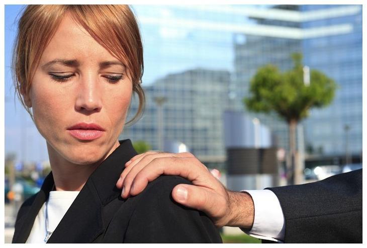 Как защититься от сексуальных домогательств. Советы юриста