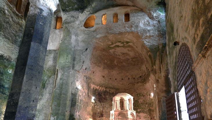 Монолитная церковь Сен-Жан