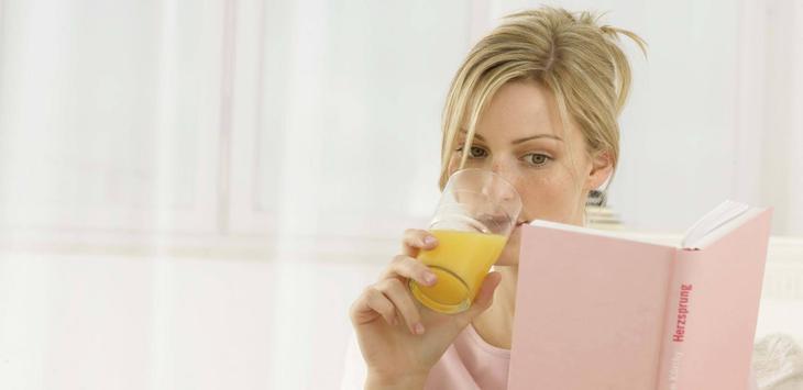 Необходимые фрукты можно употреблять в виде фрэшей и смузи