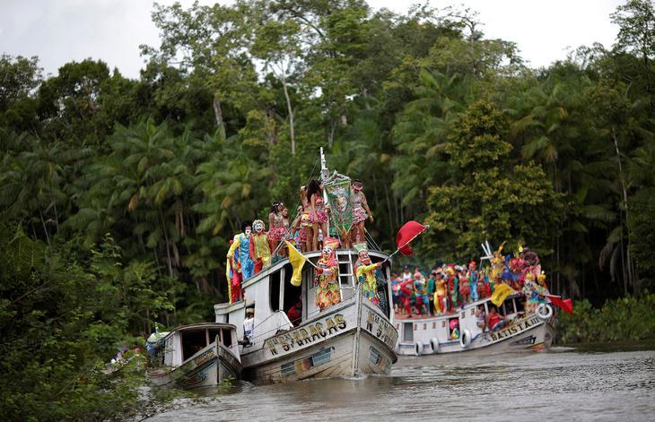 Так называемый водный карнавал в Бразилии loverme