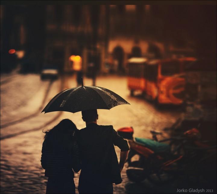 Знакомство в дождь к чему